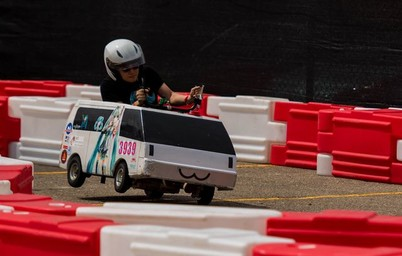 The 3D printed steering knuckle lightened Guan's chassis and secured a victory!